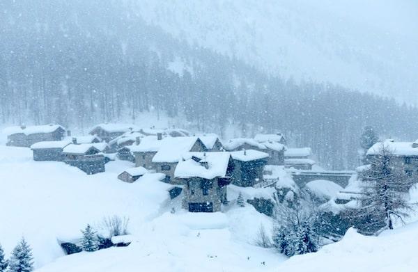 16 Best Ski Holidays Deals   Welove2ski