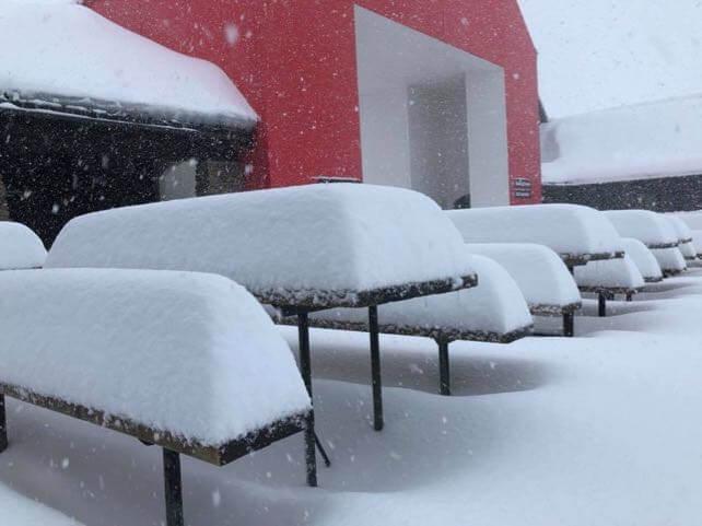 Spring storm dumps 60cm of snow on New Zealand | Welove2ski