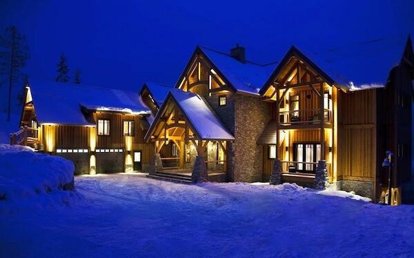 Where to Stay in Revelstoke | Welove2ski